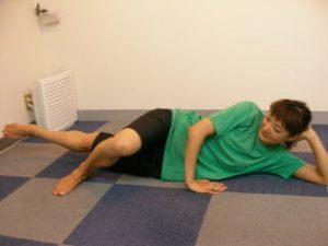 股関節の痛みを整体するときに行う体幹トレーニングです。